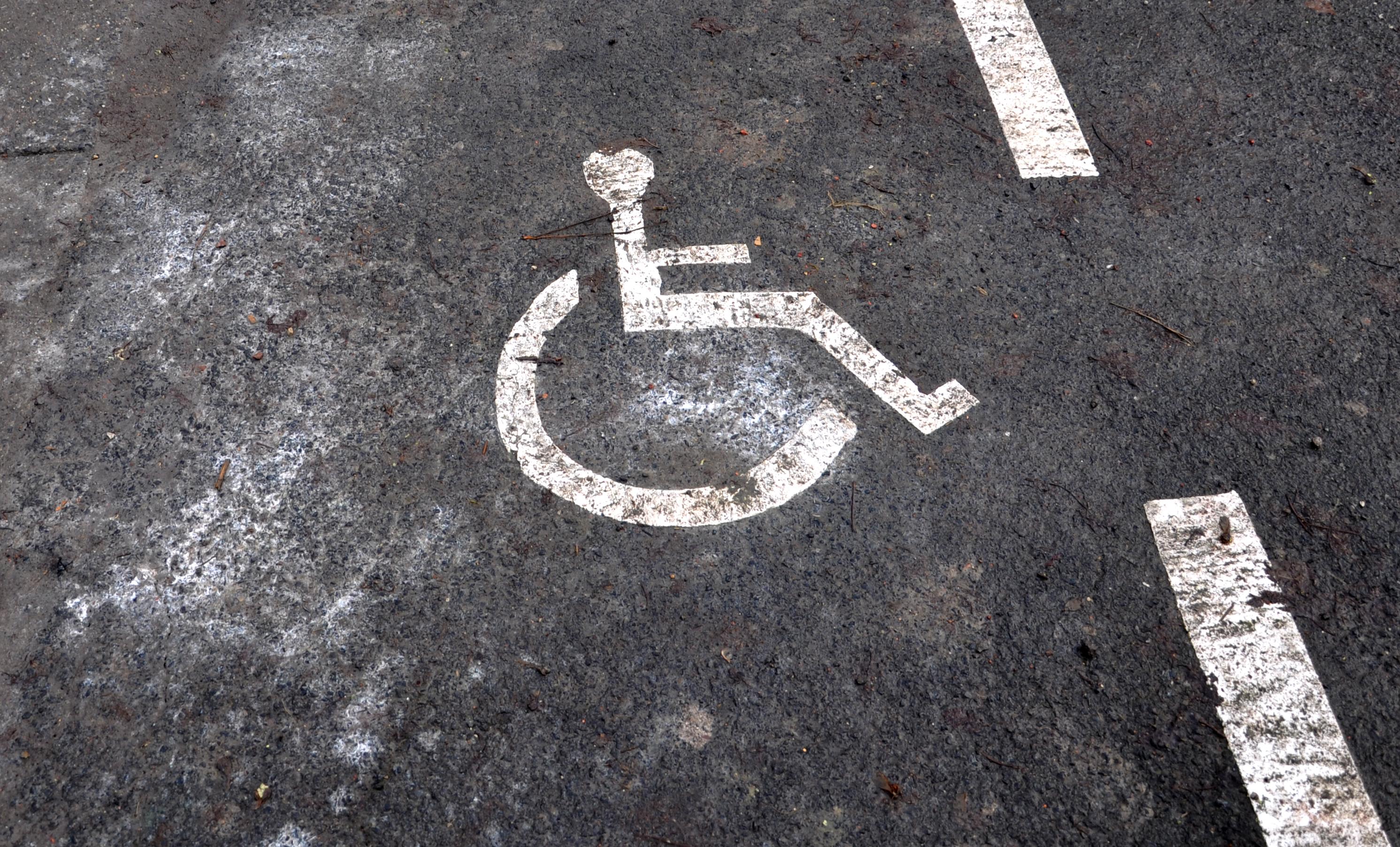 Rollstuhlstreifen