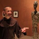 Br. Rene Dorer mit Giacometti Skulptur im Leopold Museum Wien