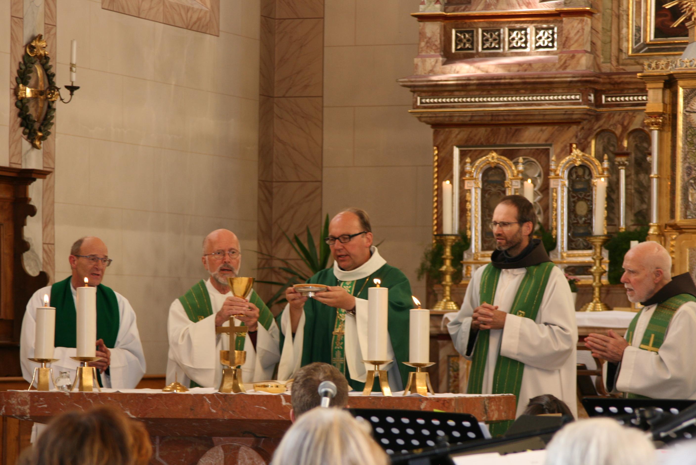 Bischof Glettler und 30 Jahre Segnungsgottesdienst